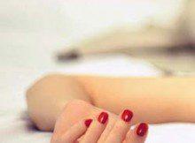 lakier na paznokciach